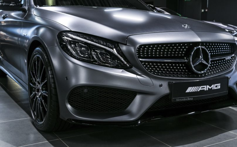 How Does One Become a Mercedes-Benz Certified Mechanic?
